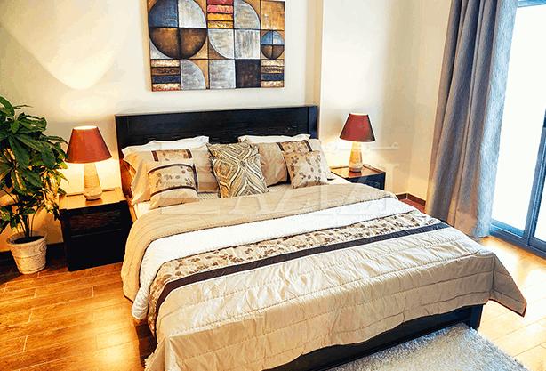 غرفتي نوم في شقة (مطلة على الشارع العام) بمساحة 132 م2، في ليترس من عزيزي للتطوير العقاري
