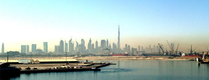 سوق الأراضي في دبي